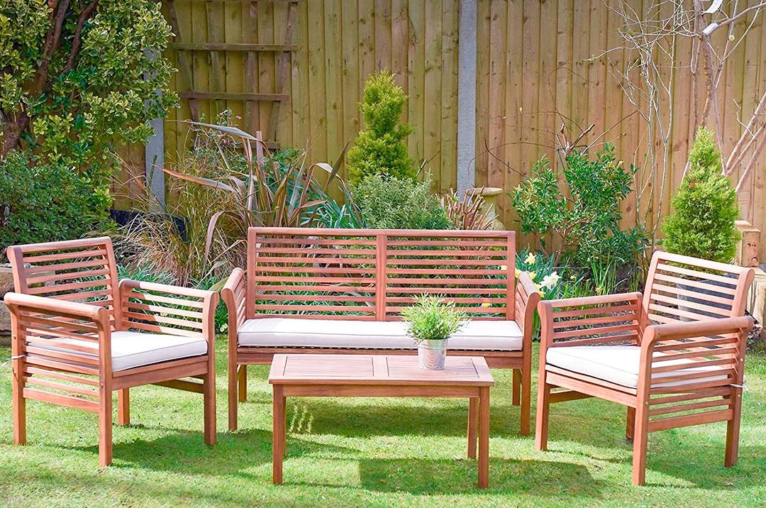 conjunto mesas de madera para jardín